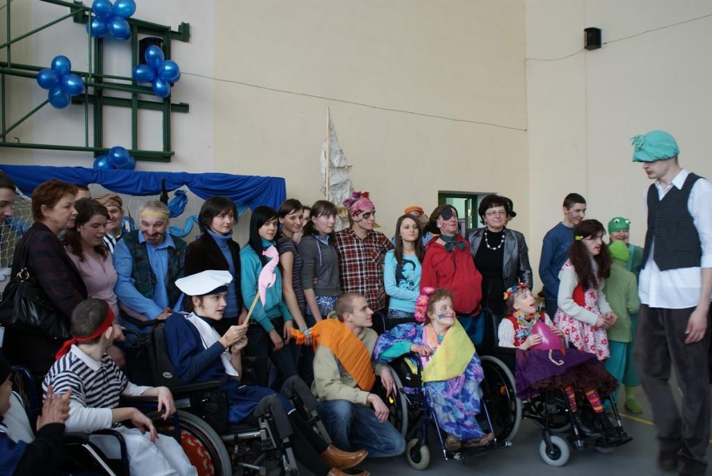 Wspólna zabawa karnawałowa w Domu Pomocy Społecznej w  Niegowie , 2009 r.