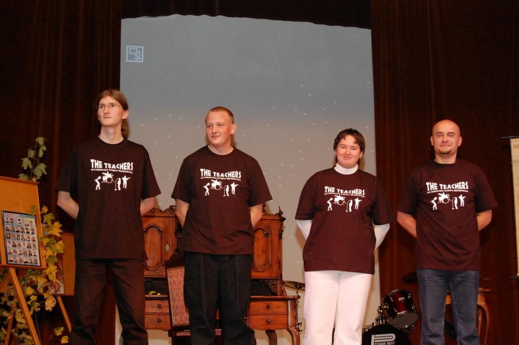 """Debiut sceniczny zespołu muzycznego """"The Teachers"""" na deskach DK """"Hutnik"""", 2009 r."""