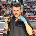 Z pucharem Marcin Borecki